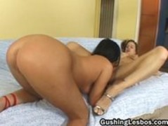 Lesbian whore gets her cunt fucked part2 Thumb