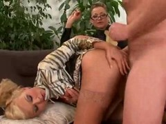 Dominatrix engage her servants in sex Thumb